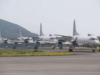 編隊飛行から戻ったP-3C